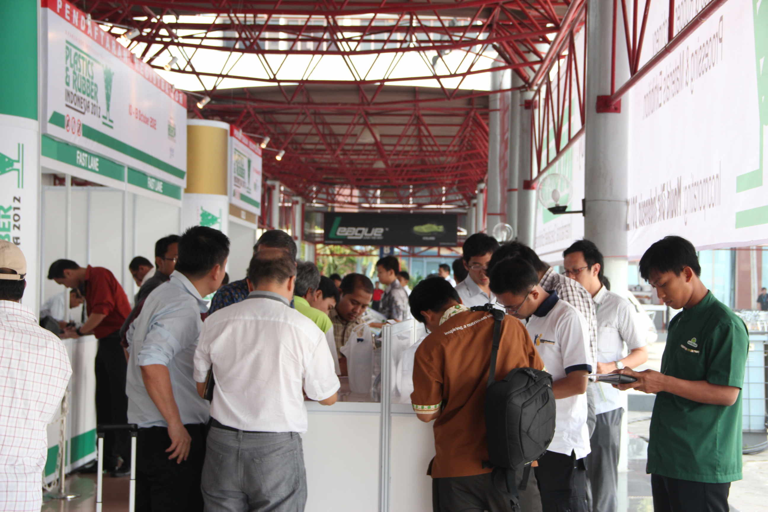 Many visitor at the registration desk